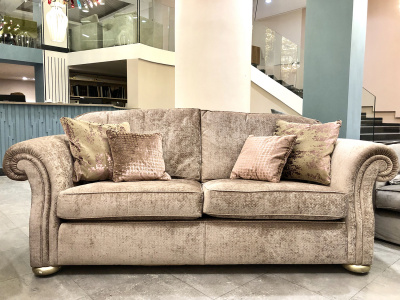 Диван Manhattan Braun (3 seater) от Gascoigne Designs в наличии